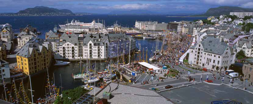 The Norwegian Tall Ships magazine The Tall Ships Races 2015 The Tall Ships Races 2015 port of friendship Ålesund Sunnmøres vakre hovedstad inviterer til tidenes seilskutefest 15.-18.