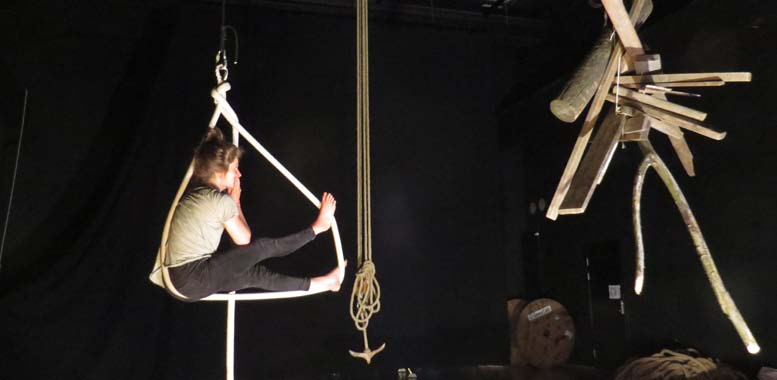 Elven & Havet (The River and the Sea) will be a family performance employing circus as the primary expression.