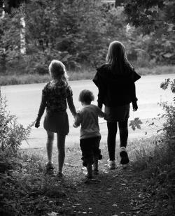 Foster care - an opportunity for young children: A longitudinal and prospective study of foster children s attachment and development Heidi Jacobsen Hovedveileder: Vibeke