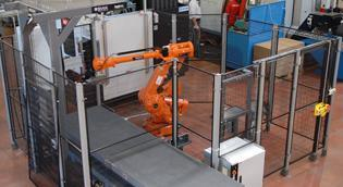 Revolution Robot-based automation solution 2 nd Robotic