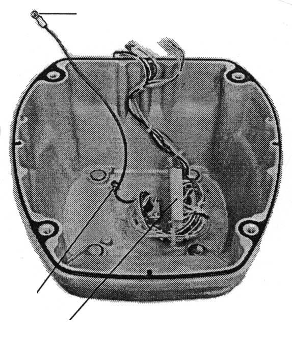 Place the antenna housing on the mounting platform and orient it as shown in Figure 6-11. Ship's bow Ship's bow Figure 6-11 How to orient the antenna unit 4.